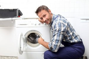 repair-washing-machine-man