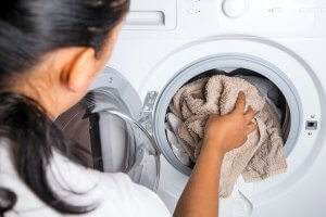 washing-machine-and-woman