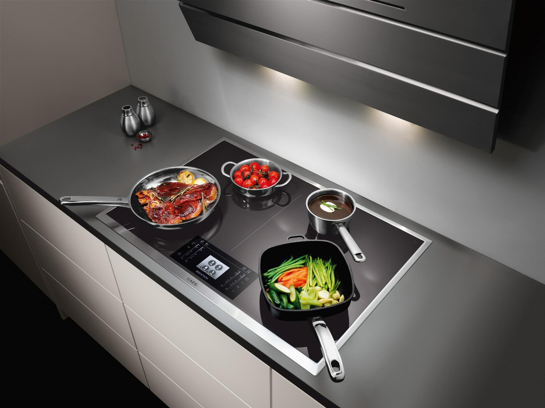 What should you do if the induction hob won't work?